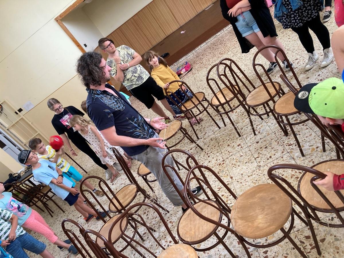 A szeretet láthatatlan fonalai – Megtartottuk a 91. KÖSZI Megálló istentiszteletet